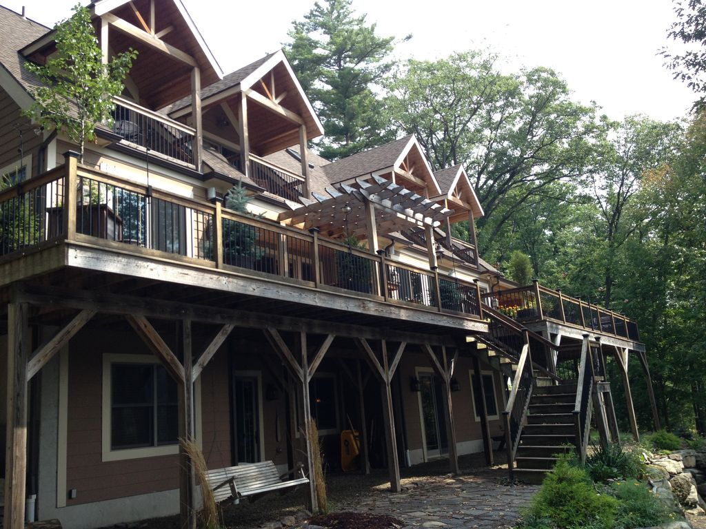 Family Fun Lakefront Vacation Home # 3, 6 BR.