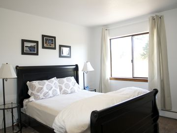 Kodiak house rental - Whale Tail Room, Queen bed, wi-fi, Cable flat screen tv