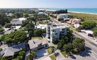 60 Steps to Sand perfectly positioned between Siesta Key Village & Public Beach