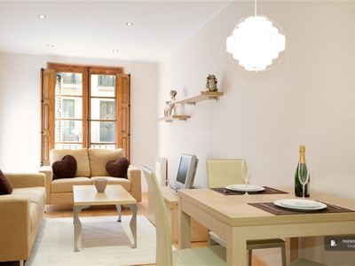 "Friendly Rentals The Haydn II Apartment in Barcelona - Click on the ""Book Now"" button to calculate the exact price."