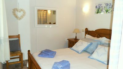 Puerto Pollensa Central villa rental - Pretty bedroom with king-size bed
