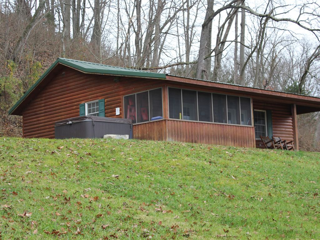 Family Friendly Cozy Cabin Located On Homeaway Luray