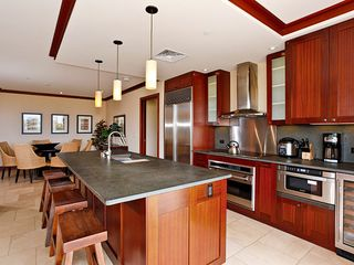 Ko Olina villa photo - Kitchen and breakfast bar - High-End Bosch, Sub-Zero, and Wolf appliances