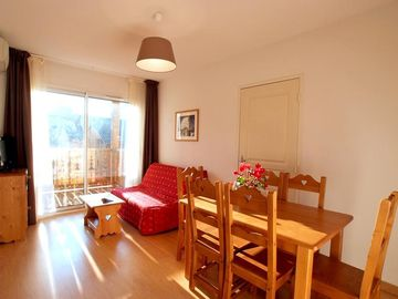 Wifi, terrace, balcony, parking, tv, ski locker, 30m², Ax-Les-Thermes