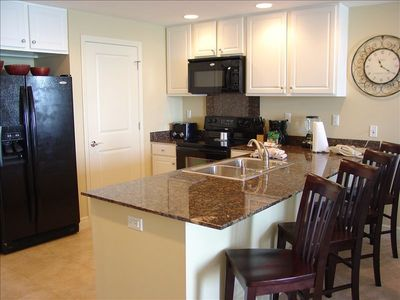 Fully-Equipped Kitchen w/Granite Countertops