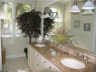 Kiawah Island house photo - Upstairs Bathroom