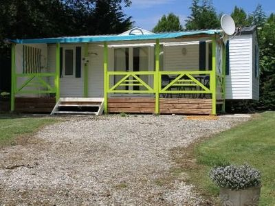 Fully equipped mobile home, air conditioned, with views of Pyrenees