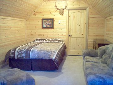 Bedroom 4 in Bunkhouse, Queen bed