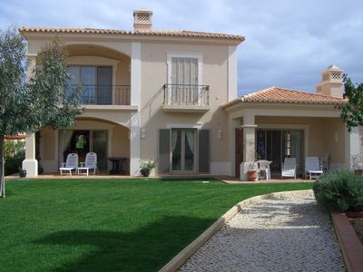 Ground Floor Apartment with lovely gardens located on famous Gramacho Resort