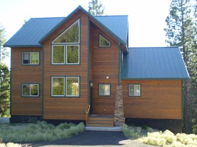 Gorgeous Mountain Retreat within 10 miles of Ski Resort, Lakes, and Streams