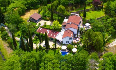 Country villa w/park, pool+private beach, 5 terraces, 160 m² living space