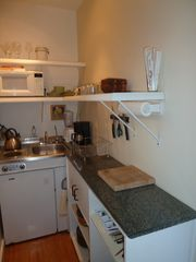 Kailua studio photo - Complete galley kitchen