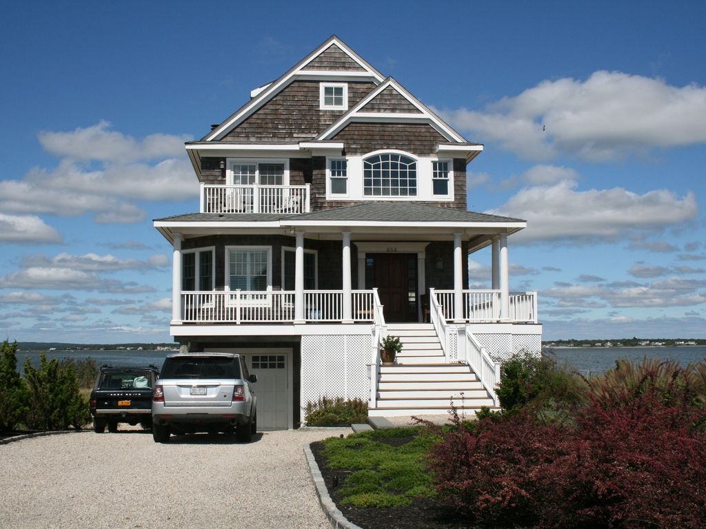 the hamptons beach house rentals