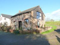 THE STABLE, pet friendly, with a garden in North Tawton, Ref 913046
