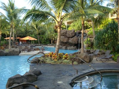 Ho'olei Resort Pool and Jacuzzi Tub