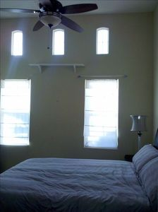2ND GUEST ROOM WITH PRIVATE BATHROOM - FLAT SCREEN - SURROUND SOUND & MORE...