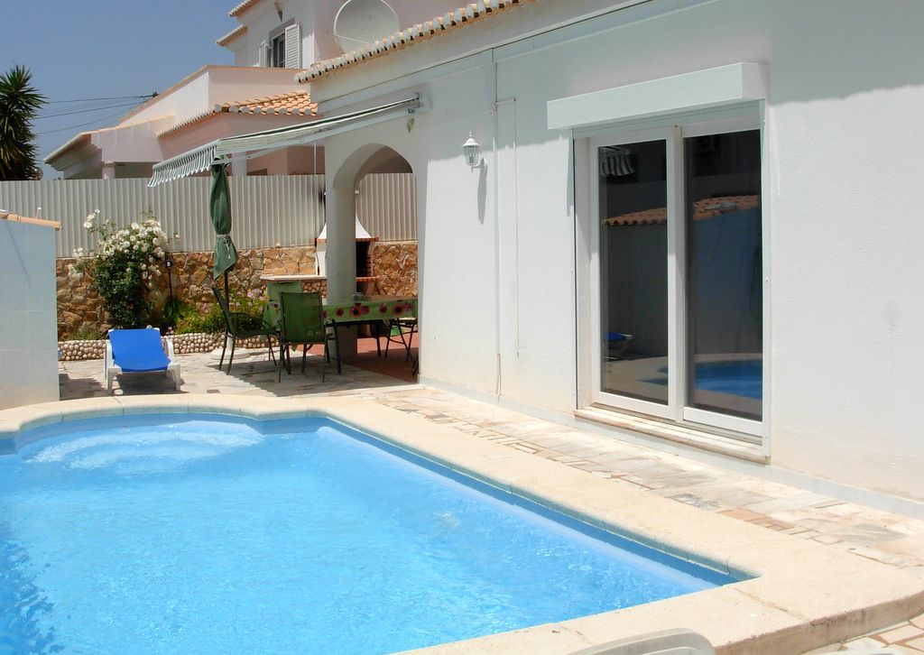 House, 160 square meters, with pool