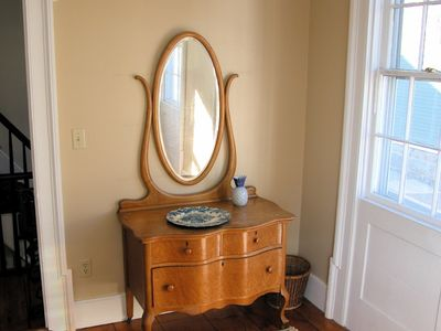Stonington house rental - 2nd fl bdrm: television, private/full bath, queen bed