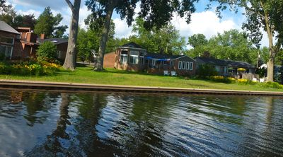 THE LAKE HOUSE ON CASS LAKE, LLC Largest inland lake in SE Michigan - all sports