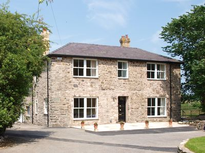 6 bedrooms,6 bathrooms, spacious former rectory, ideal for family holidays