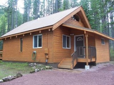 Luxury Mountain Cabin. Minutes from East Glacier and Essex