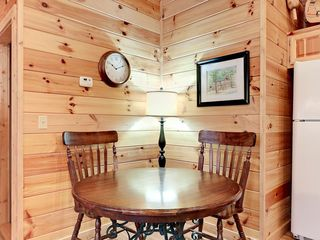 Wears Valley cabin photo - Breakfast Nook