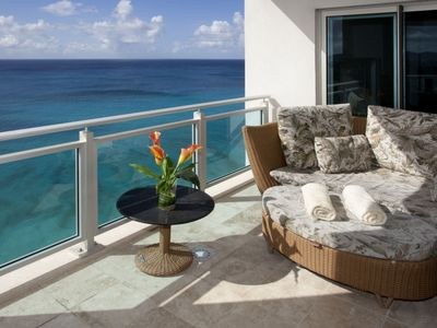 Cupecoy condo rental - Beautiful panoramic main oceanfront patio off the Living area