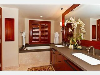 Kapolei villa photo - Master Bath with Sunken Tub 7 Shower Stall
