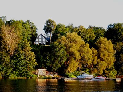 Thousand Islands Executive Home Rental - Howe Island