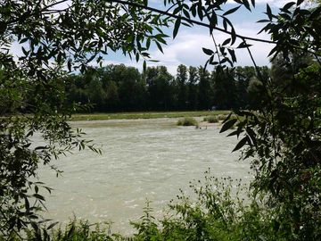 'Isar' river close by