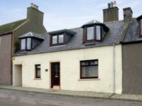 ELISABETH COTTAGE, family friendly, with a garden in Banff, Ref 1643