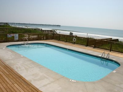 Oceanfront coumminity pool - literally steps away!