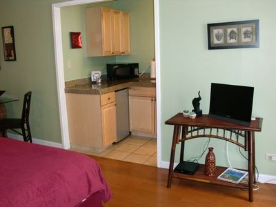 Other waikiki properties vacation rental vrbo 167512ha for A different angle salon