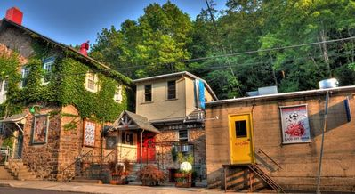 Jim Thorpe apartment rental - The Loft in Jim Thorpe is conveniently located above a restaurant/art gallery