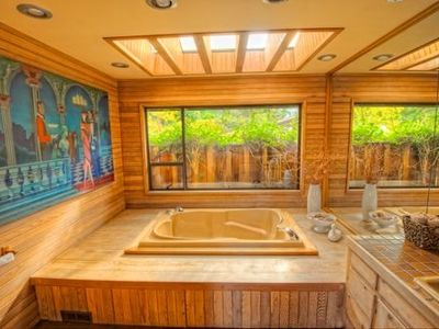 Spacious main bathroom, also with double soaker tub