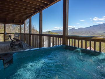 Hot Tub on deck overlooking Mt. Leconte