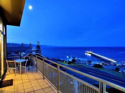 Lorne apartment rental - Dine outdoors and taken in sweeping pier views