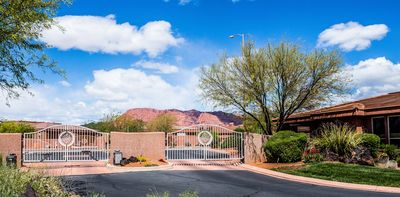 Gated Community Of 12 Homes In Entrada