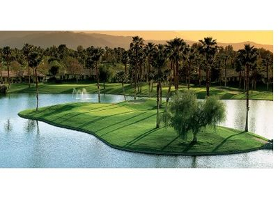 OUR SIGNATURE HOLE @ PALM VALLEY CC - NOT TOO SHABBY !!!