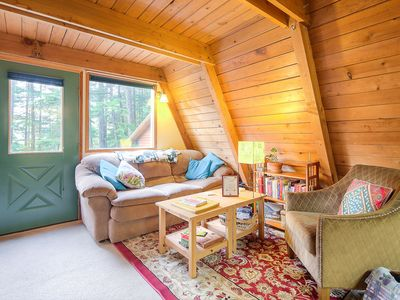 Rustic Juneau A-frame with all the amenities