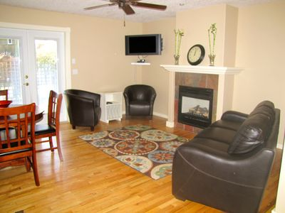 Chateau Relaxo - 2 Bedroom, Self Contained House Only Minutes from Bates Beach