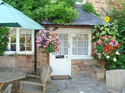 WISTERIA COTTAGE, pet friendly, with a garden in Dunster, Ref 25293