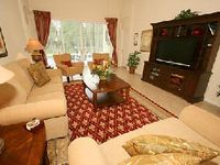 Immaculate and Fully Equipped Vacation Villa in Gated Community Near Disney Park