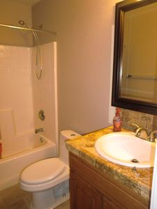 San Tan Valley house rental - 2nd Floor Bathroom