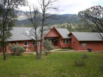 Yosemite National Park house rental - HouseBackview