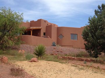 Sedona house rental - Sedona Wild Horse Mesa - Spacious luxury estate with scenic red rock views.