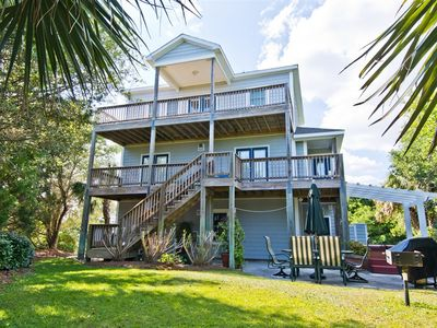 The While-Away House, a 4 bdr/3.5 bth getaway at Emerald Isle.