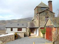 TOWER COTTAGE, family friendly, with a garden in Kirksanton, Ref 2698