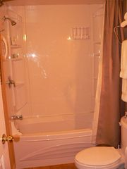 Ottawa apartment photo - Bathroom/ Salle de bain