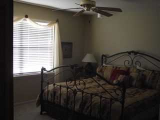 Branson condo photo - Master king bedroom overlooking Lake Taneycomo